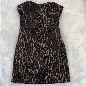 ✨Sexy✨ strapless leopard dress by GUESS